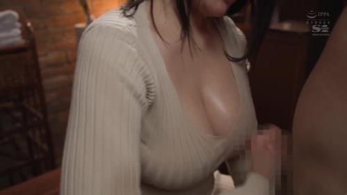 胸や股間にぴったり密着 浮き出たボディラインと潤んだ瞳で誘惑してくるニットワンピお姉さま 鷲尾めい 36
