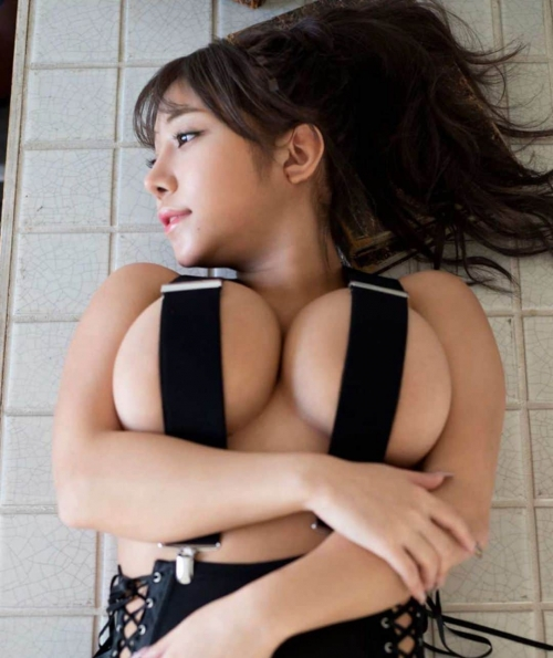 Iカップグラドル「夢見るぅ」隊長がムーディーズよりAVデビュー決定 52