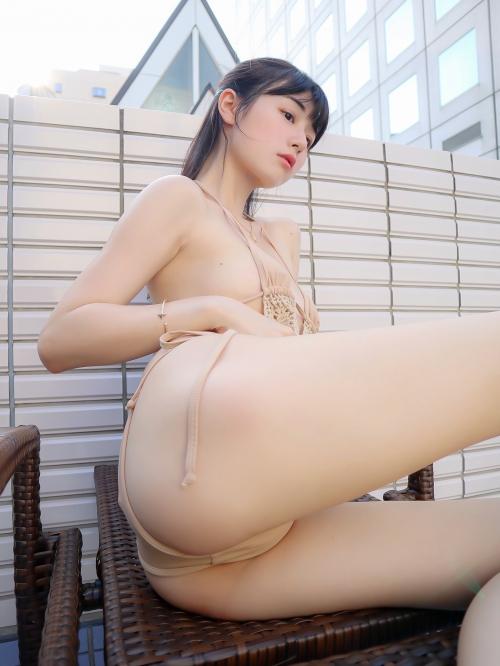 裸に見えて生々しいベージュの下着 エロ画像 42