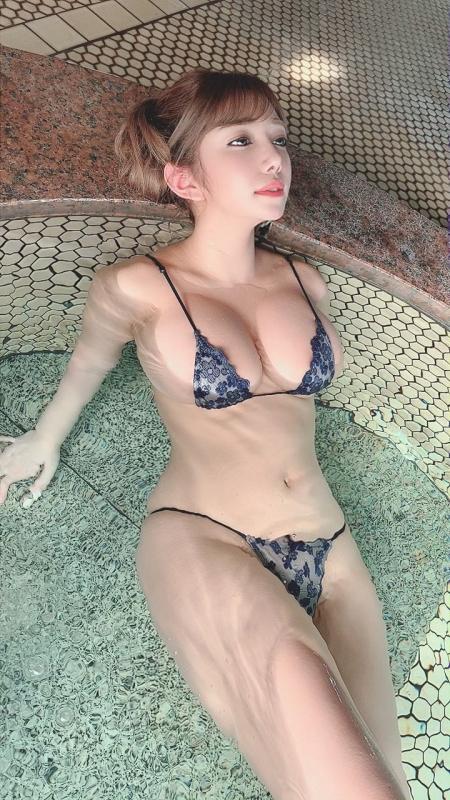 グラビアアイドル ビキニの水着 47