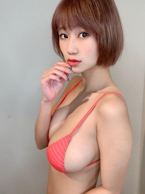 グラビアアイドル ビキニの水着 57