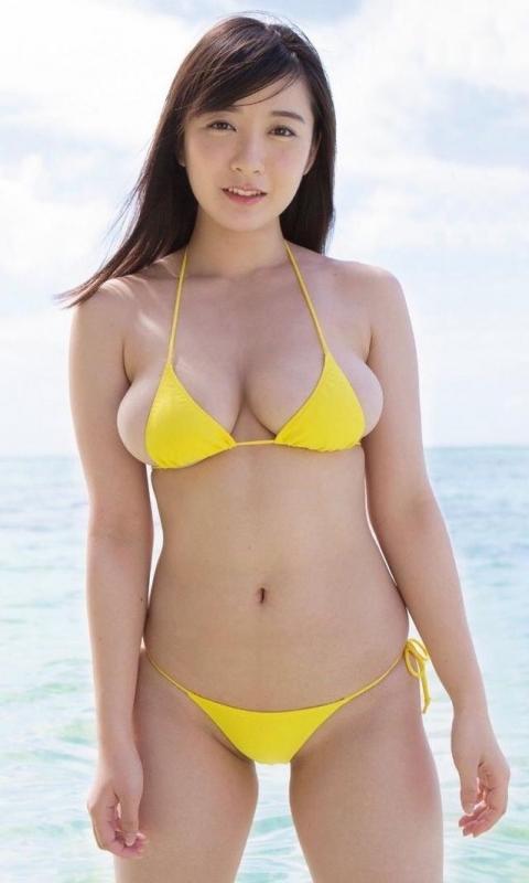 グラビアアイドル ビキニの水着 09