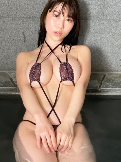 グラビアアイドル ビキニの水着 30