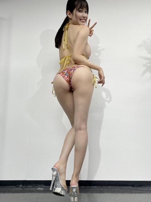グラビアアイドル ビキニの水着 33