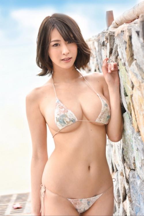 グラビアアイドル ビキニの水着 56