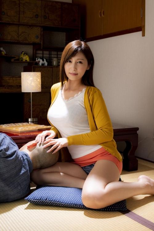 巨乳人妻・熟女AV女優 12