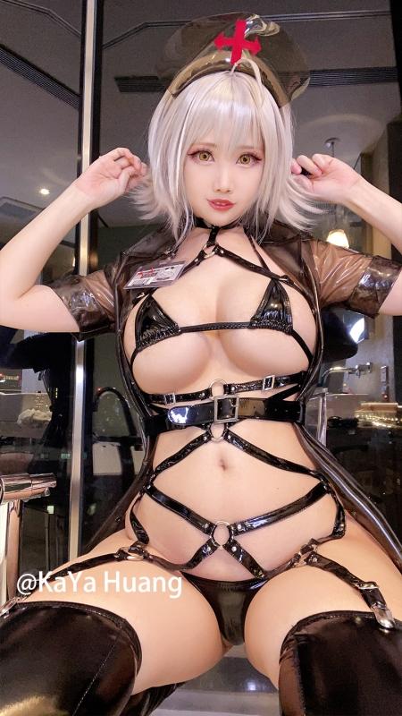 KaYa Huang 萱 Cosplayer 露出コスプレイヤー 12