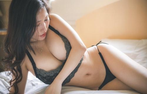 魅惑のセクシーランジェリー エロ画像 06