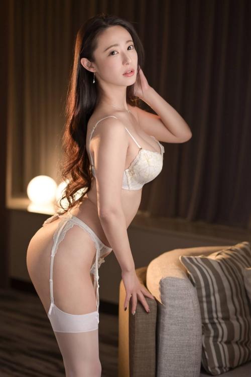 魅惑のセクシーランジェリー エロ画像 26