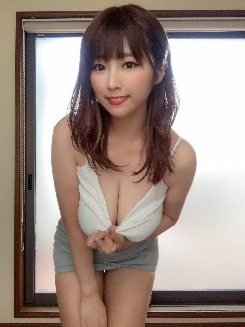 AV女優 おっぱいの谷間 09