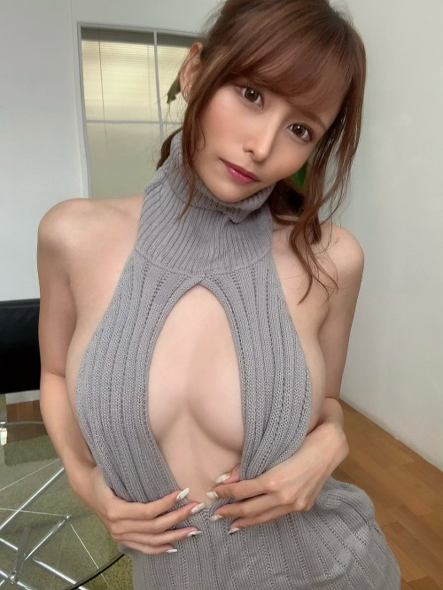 AV女優 おっぱいの谷間 エロ画像 25