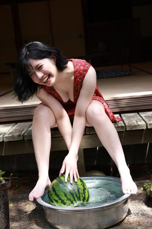 AV女優 おっぱいの谷間 エロ画像 36
