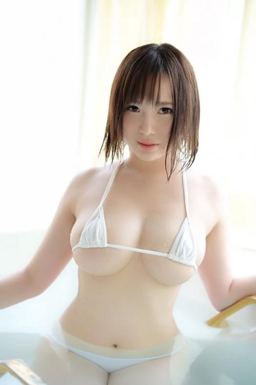 AV女優 白ビキニ 23