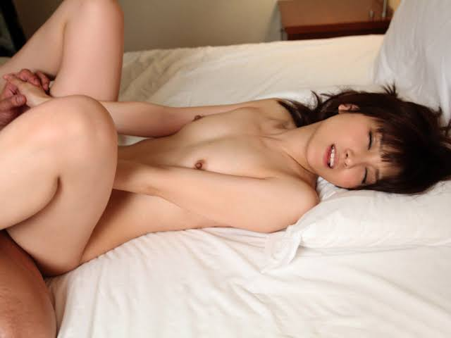 貧乳は日本の宝だ!ちっぱいな女の子たちのエロGIF画像サムネイル
