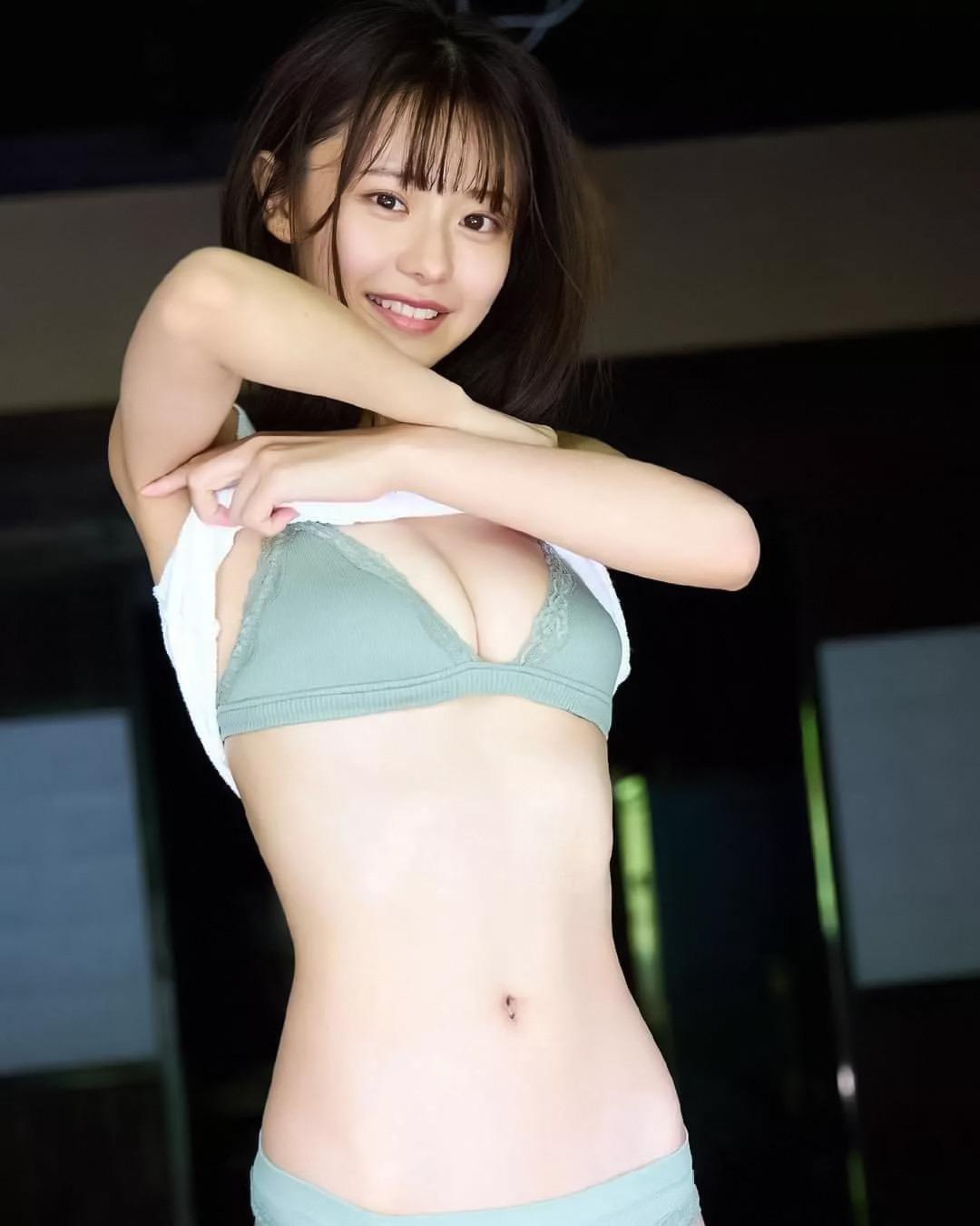 浅倉唯19