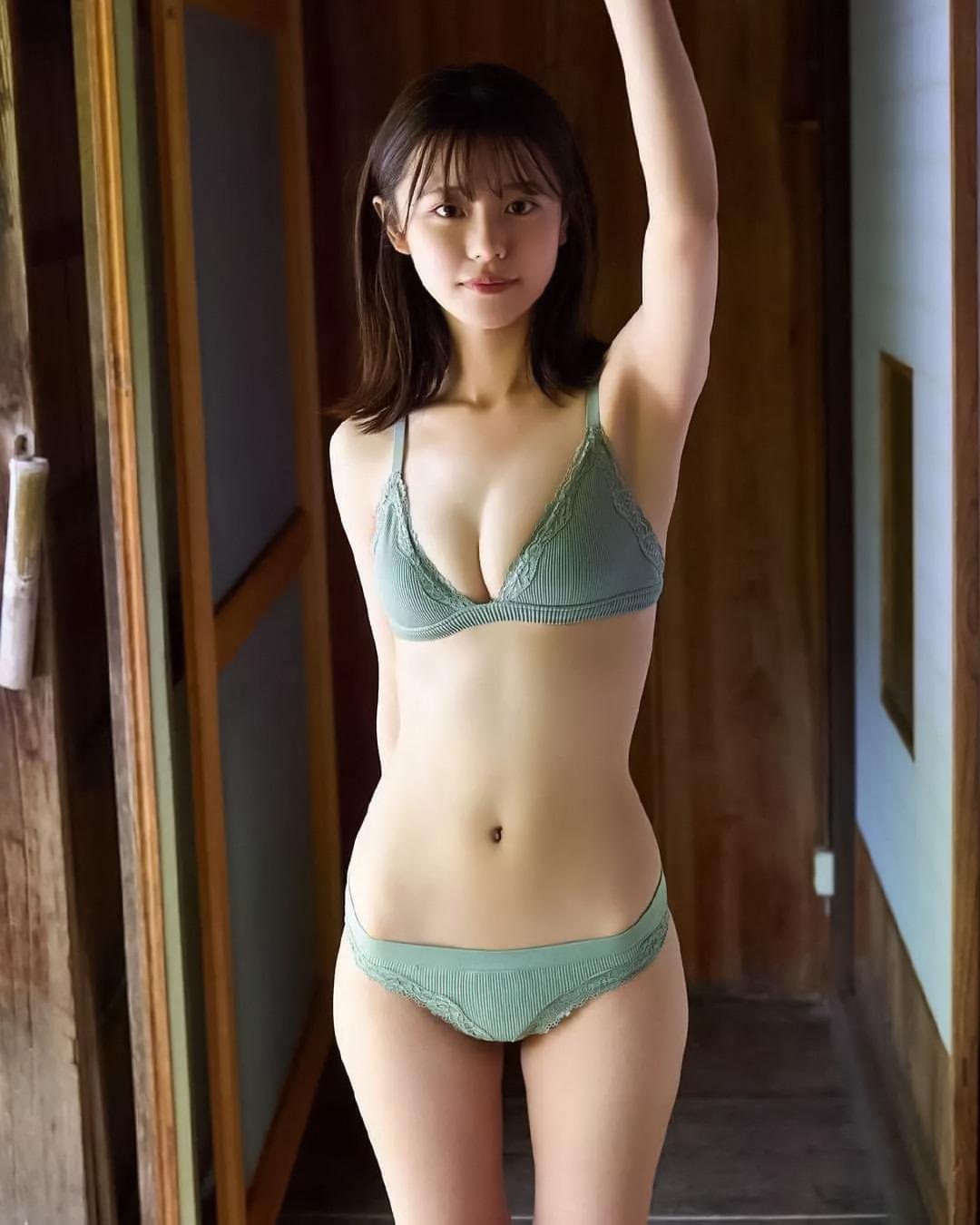浅倉唯22