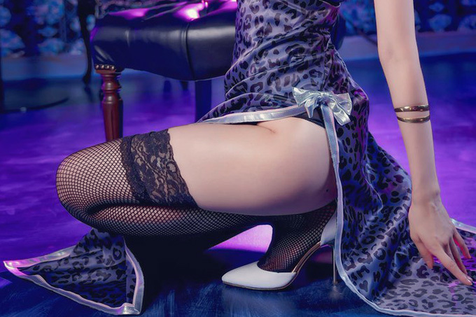 チャイナドレスと美脚のエロ画像