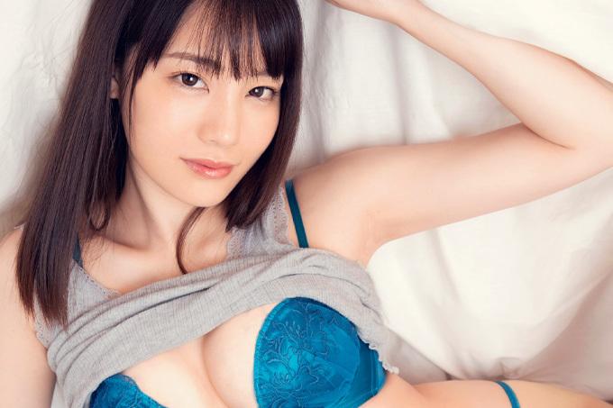 鈴村あいり 声が出せない状況で密着イチャラブセックス。