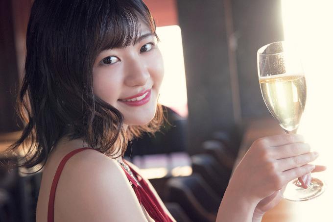 山田南実 20歳を迎えたお祝いグラビア。