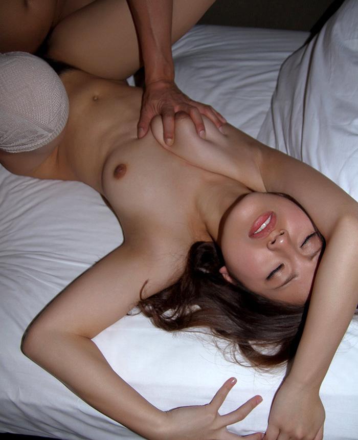 正常位 セックス 画像 50