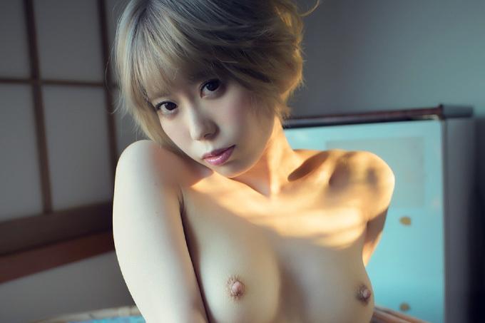 川菜美鈴 子猫のように…甘くて危険な香りのするお姉さん。