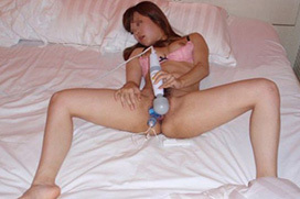 大人の玩具を使いこなす女のオナニーエロ画像20枚