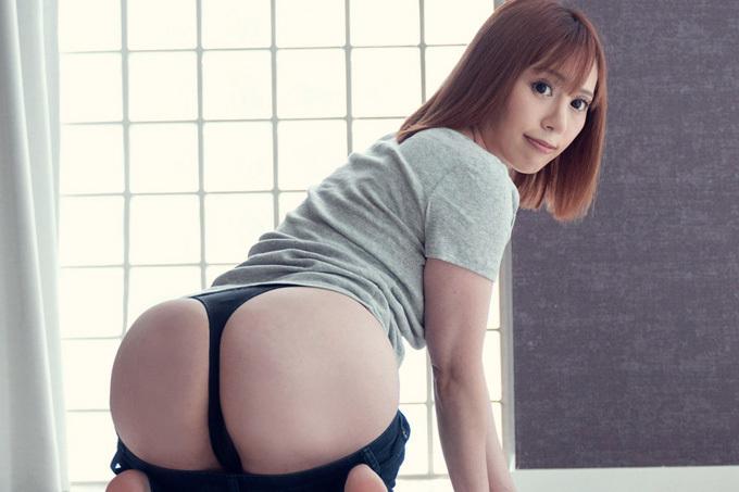 櫻木梨乃 白い肌に映える美巨乳と美尻お姉さんの濃厚セックス