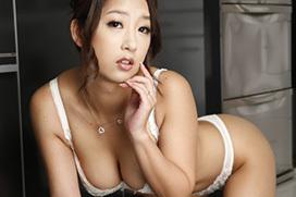 鈴木さとみ 欲求不満なGカップ巨乳人妻が、部下の男と誘惑不倫セックス! #エロ画像 40枚