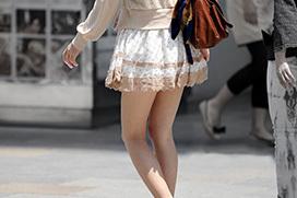 素人のお姉さんたちの大胆な美脚にみとれる…ミニスカが可愛い女の子たちの太ももフェチエロ画像
