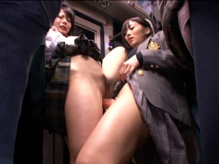 バスでレズエッチ