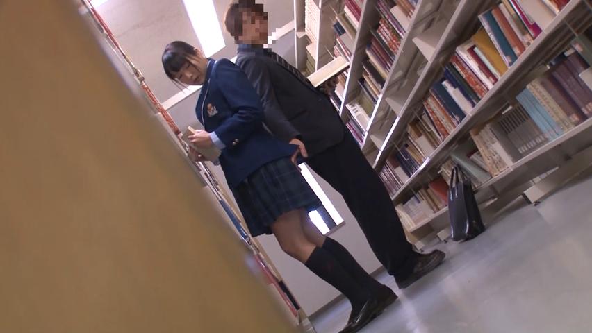 図書館でチカン師に狙われたJK