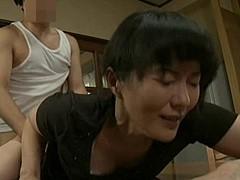 円城ひとみ 家庭内SEX!義息子から強引に性交させられ辱めを受けた四十路の巨乳ママハハ