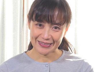 平岡里枝子