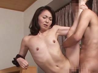 【五十路】中出しキャンペーンで顧客をGETする淫売生保マダム。麻生千春