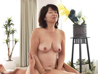 【五十路】SEXしたさにAV界へ飛び込む美巨乳マダム。