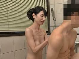 【鶴川牧子】先立った夫に似てきた孫に発情する淫乱マダム。
