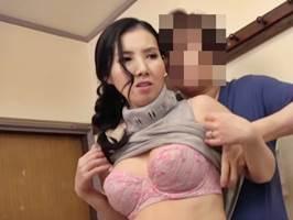 【七海祐希】隣人にオナニーがバレた京美人の奥さん
