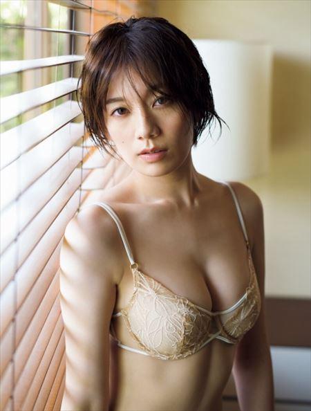 佐藤美希 Fカップ美巨乳 マルチタレントが健康的なエログラビア披露 おっぱい画像