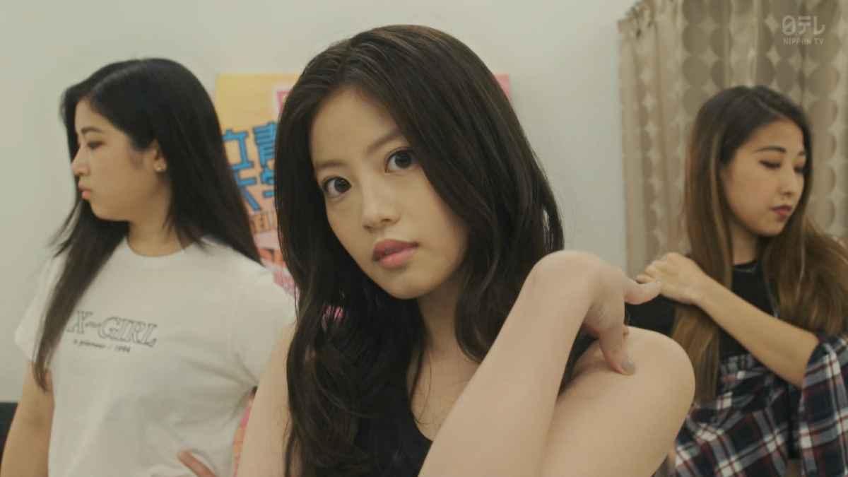 今田美桜のパンチラ画像