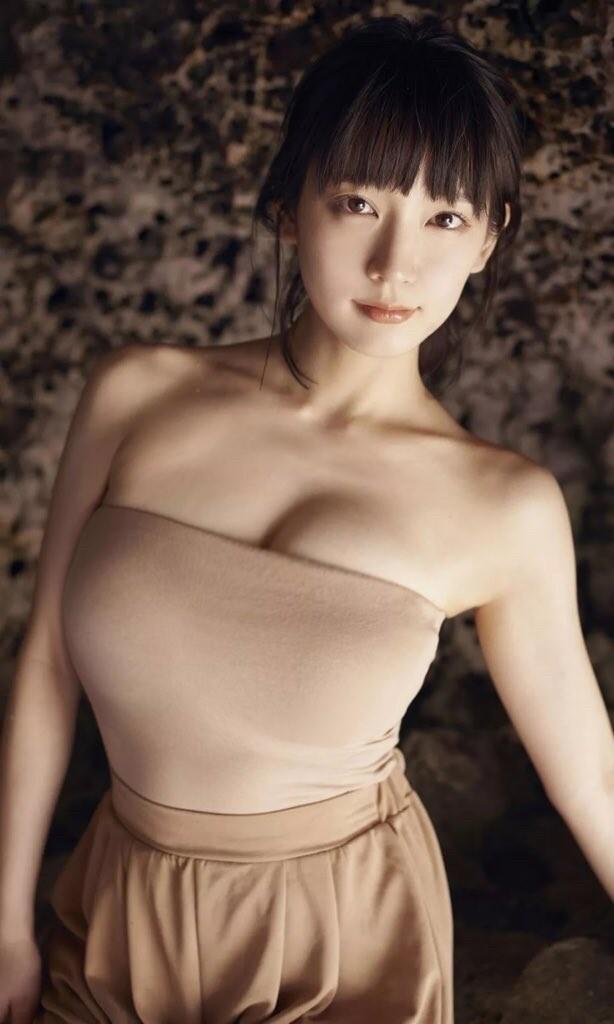 吉岡里帆のお宝エロ画像