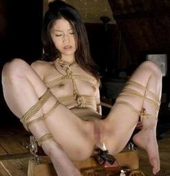 エロさの中にほんの少しの芸術性を感じてしまう昭和ロマンな緊縛画像19