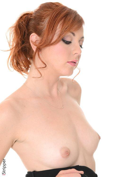赤毛のクビレ美女さん、セクシー過ぎる美脚強調エロダンス&陶器のような白い美肌の美乳と美尻、ピンクの乳首を愛でるヌードグラビアww # 外人エロ画像