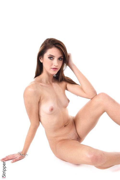 ショーパンから伸びる脚、長過ぎない?wカナダの長身スレンダー美女が魅せる、一見の価値アリなセクシー美脚ダンス&フルヌードww # 外人エロ画像