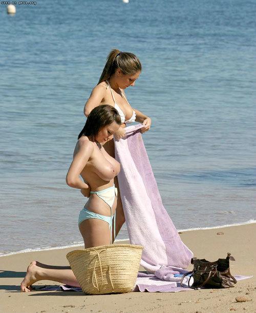 ヌーディストビーチっておっぱいだらけで楽園13