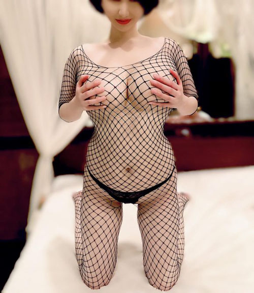 スケベな網タイツを身に着けた女の子のエロ画像 part27