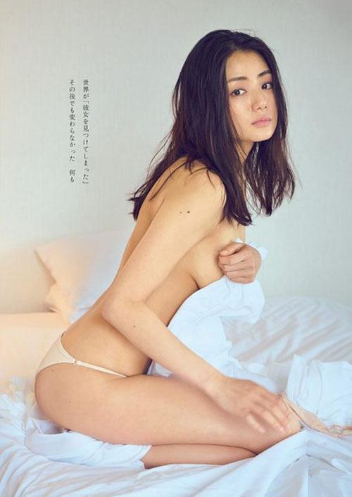 片山萌美(30)『週プレ』で最新、裸体写真を公開!!!!!!!!