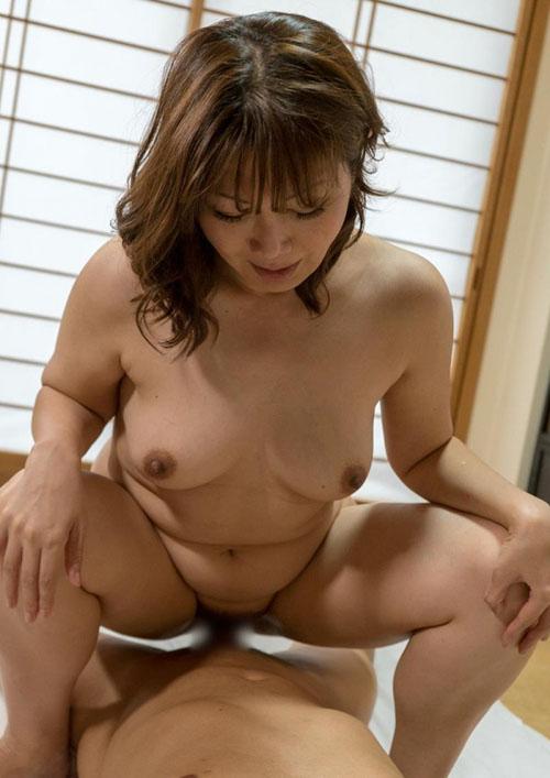 熟女のセックス画像 巨乳むっちり淫らな奥様80枚