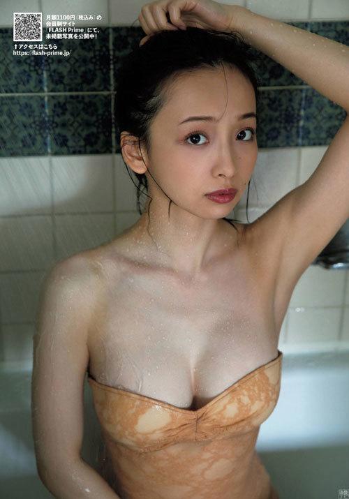 華村あすか 柔肌の女神
