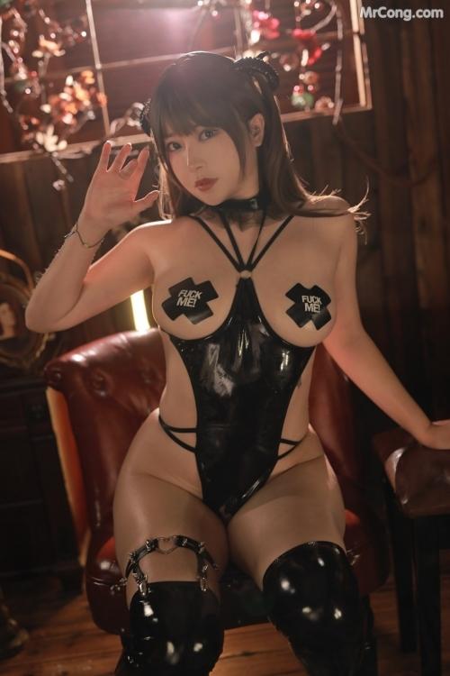 【FU●K ME!】卑猥な単語のニプレスで乳首を隠したボンデージ女を調教 着エロコスプレ画像 Vol.3