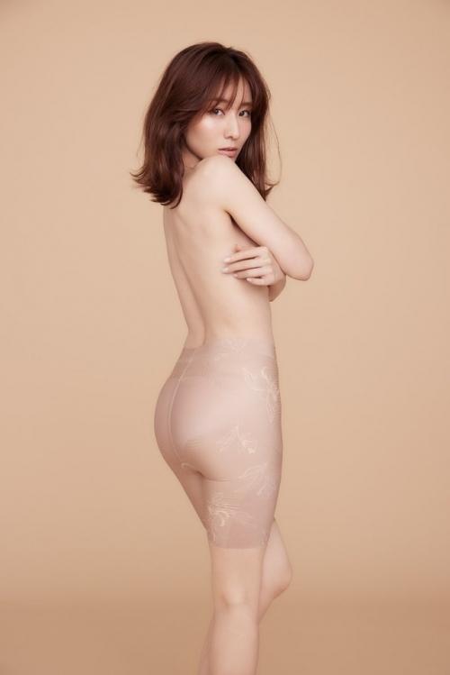 田中みなみ、ほぼ裸になる!全部丸見えじゃないですか